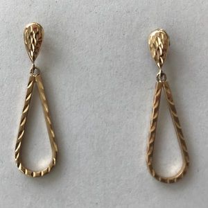 Jewelry - Gold Tear Drop Earrings
